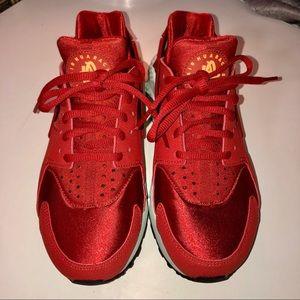 Nike Air Huarache Run Size 6.5